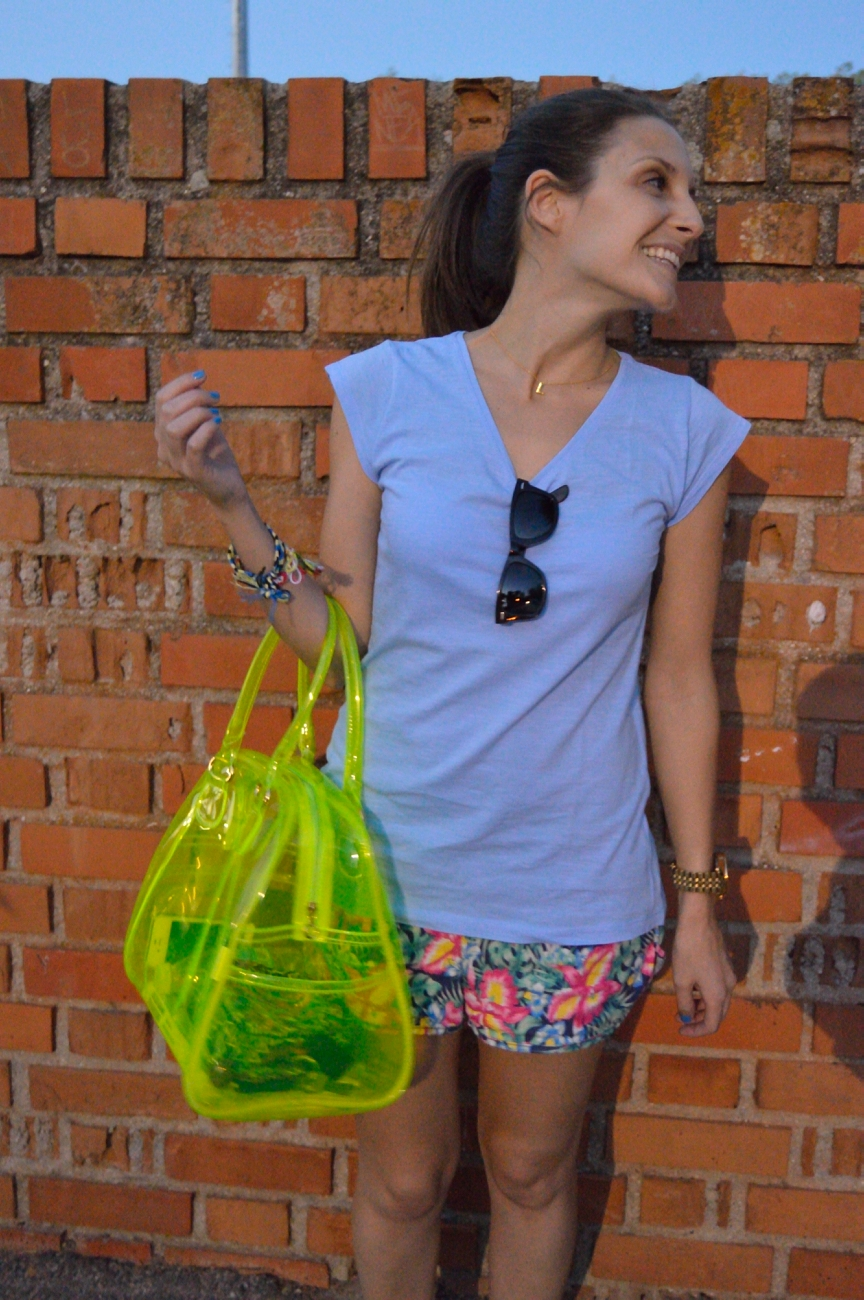 lara-vazquez-mad-lula-style-streetstyle-look-blue-yellow-colors