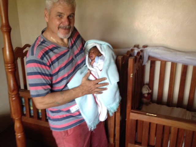 Papa Keivn meets Baby Chea