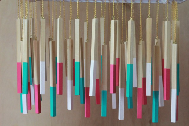 how to make a diy color cord wood dowel pendant light