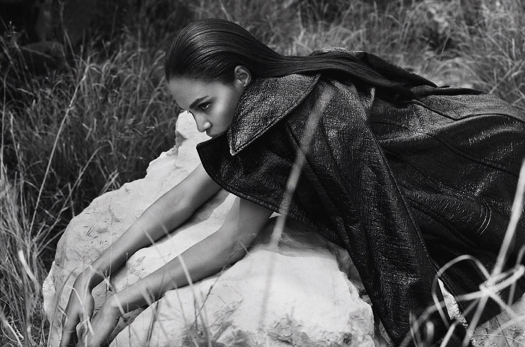Джоан Смоллс — Фотосессия для «Harper's Bazaar» ES 2016 – 2