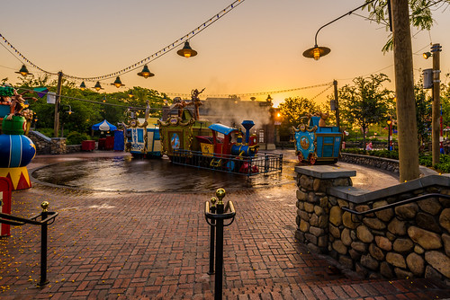 world new morning light sun color train sunrise landscape dawn golden casey early orlando nikon angle florida circus magic kingdom jr disney hour sunburst wdw walt storybook ultrawide fantasyland 2014 uwa d610