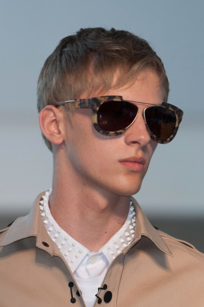 Dominik Sadoch3097_SS15 Milan Andrea Pompilio(fashionising.com)