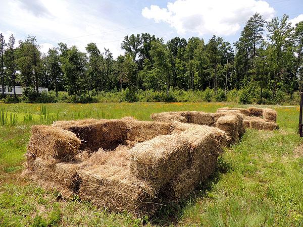 Hay-bales-compost piles-09