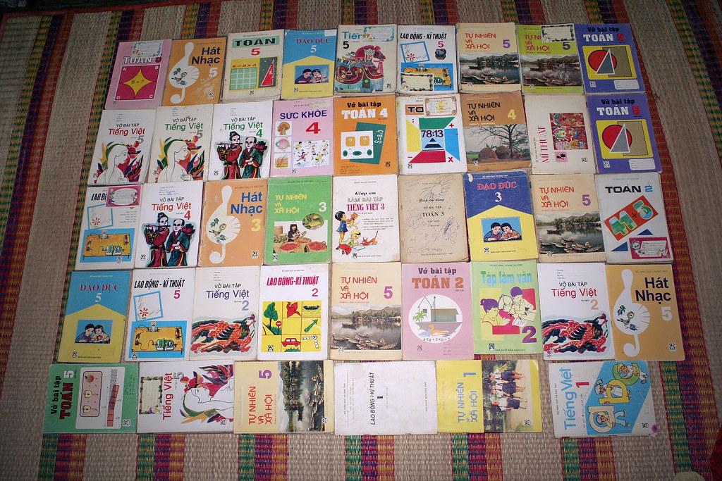 Sách giáo khoa tiểu học cũ - nơi lưu giữ từng trang ký ức 14705363480_fcf723c31c_b