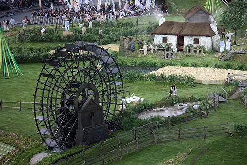 Wildflower Turf以野花草地設計的倫敦奧運主會場。作者:Marc;取自:https://www.flickr.com/photos/sumofmarc/7781166934/。本圖符合CC授權。