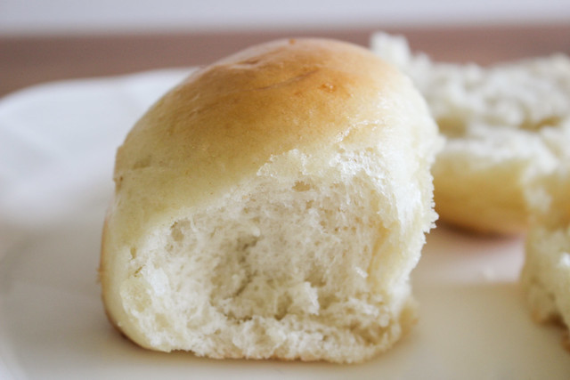 Best Dinner Rolls | via HeartofHomemade.com
