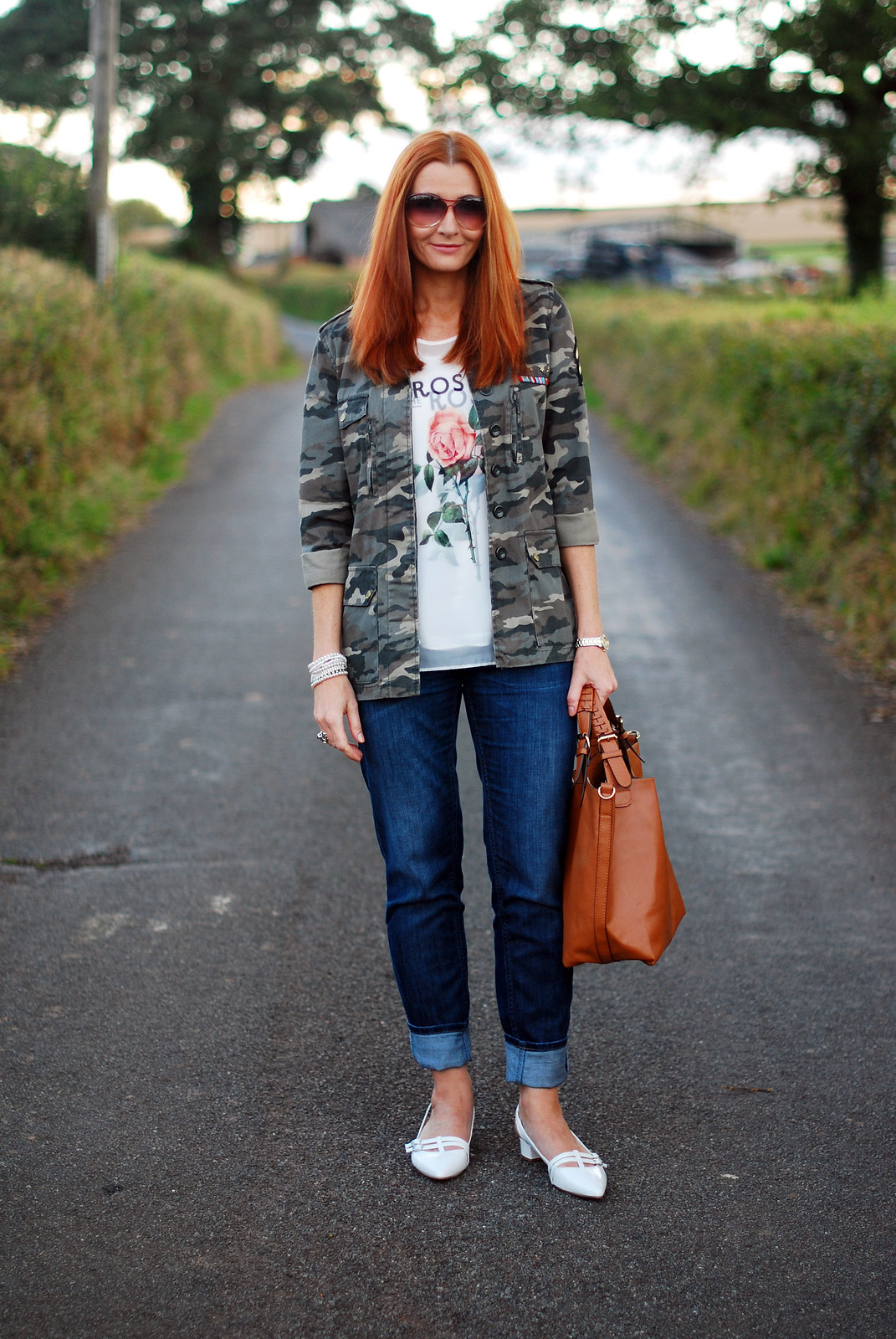 Camouflage jacket, boyfriend jeans