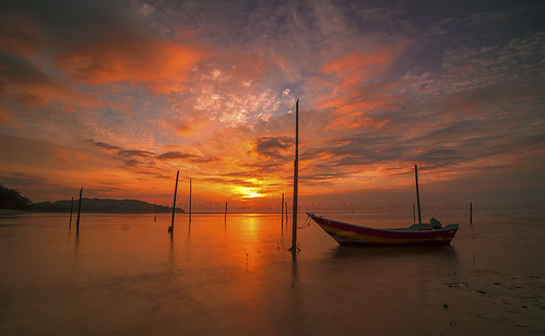 clouds sunrise boat cloudscape fishermanboat hitechgnd9s