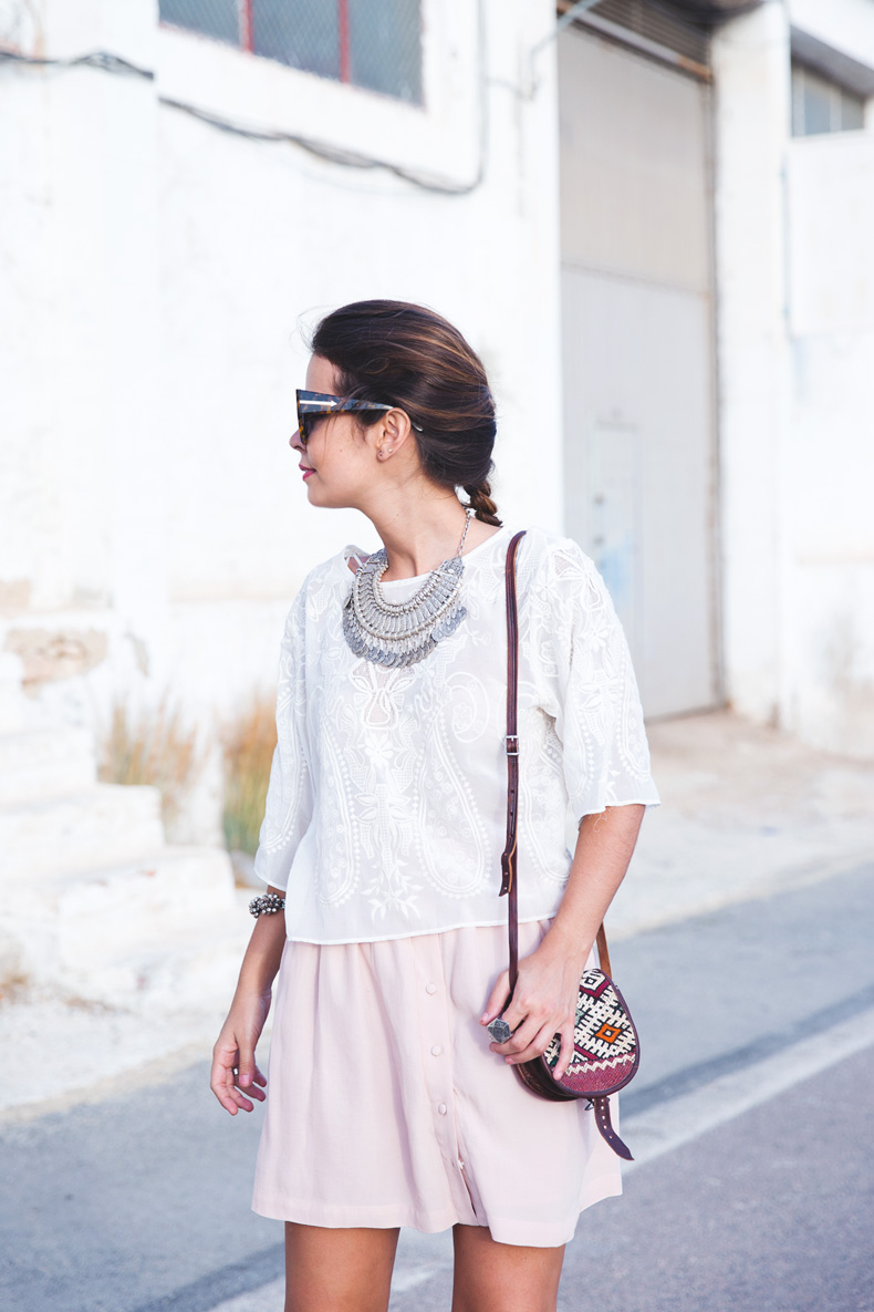 Light_Pink_Skirt-Lace_Top-Street_style-Outfit-25