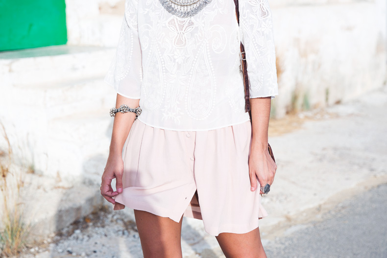 Light_Pink_Skirt-Lace_Top-Street_style-Outfit-29
