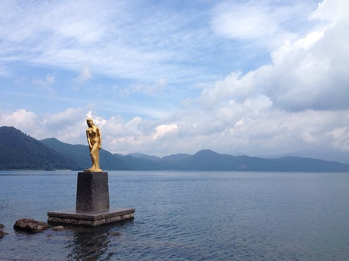 田沢湖 たつ子像