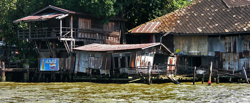 Along Bangkok's klongs on the ferry...