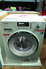 gas stove(0.0), kitchen stove(0.0), clothes dryer(1.0), major appliance(1.0), washing machine(1.0),