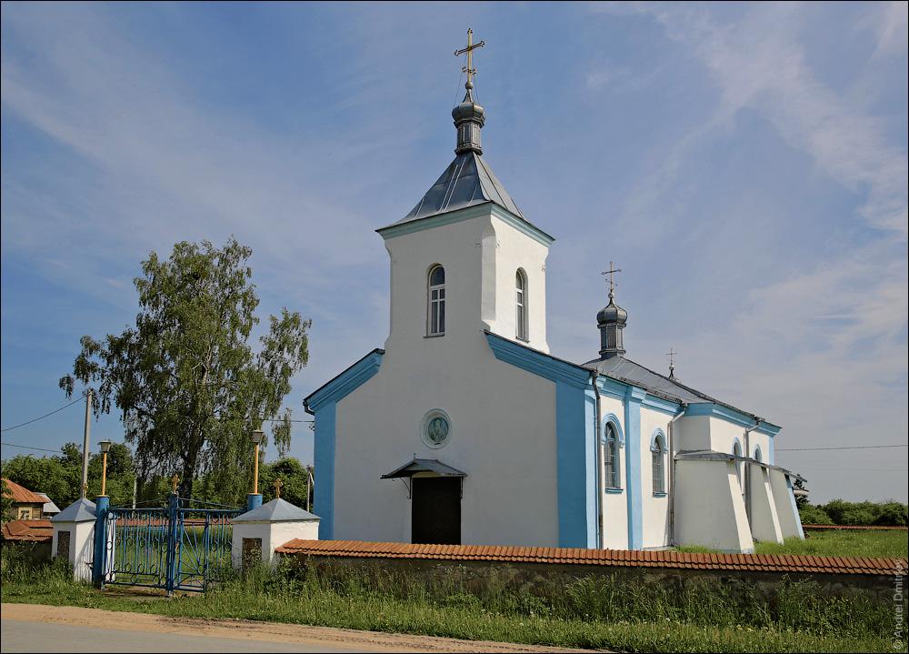 Острово, Церковь св. Михаила Архангела