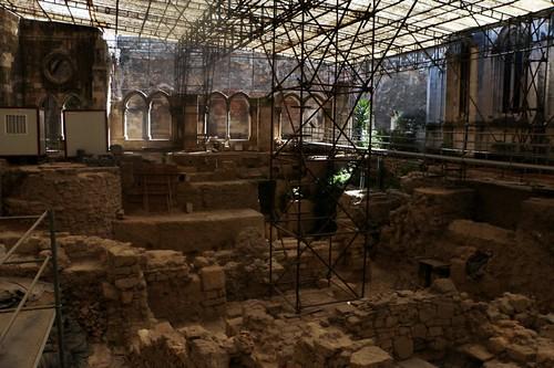 Cattedrale: resti romani nel chiostro