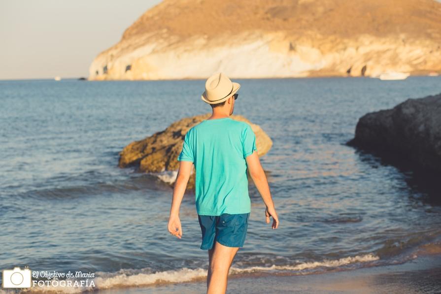 paseando por playas del Cabo de Gata. genoveses