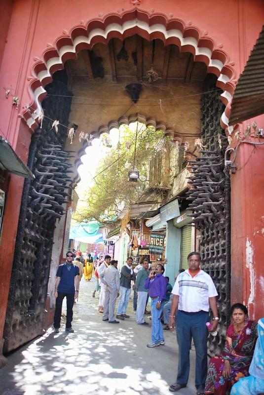 179 entrada al templo principal de Natwara (14)