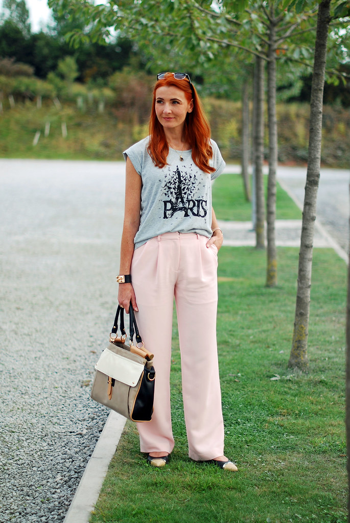 Pink wide leg trousers, grey marl t-shirt | over 40 fashion