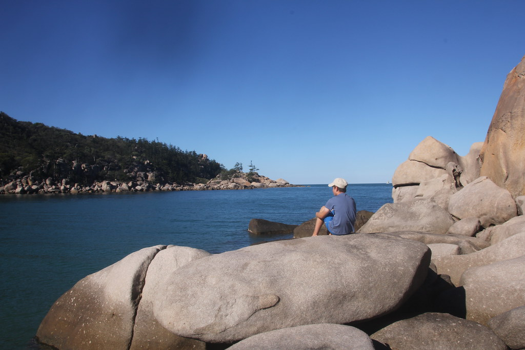 magnetic island, maggie, rainbow lorikeet, nelly bay, horseshoe bay, picnic bay, alma bay, arthur bay, rock wallabies, geoffrey bay