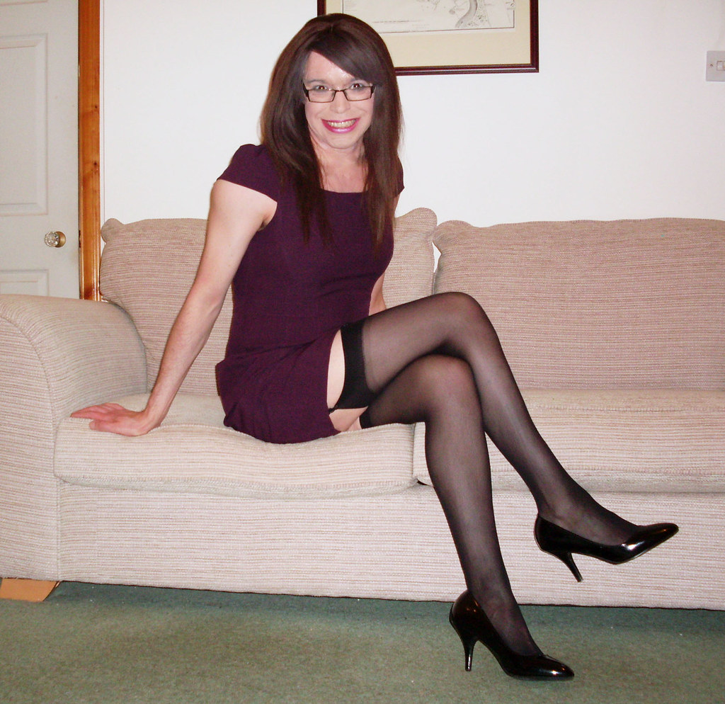Glamour office pics legs — photo 11