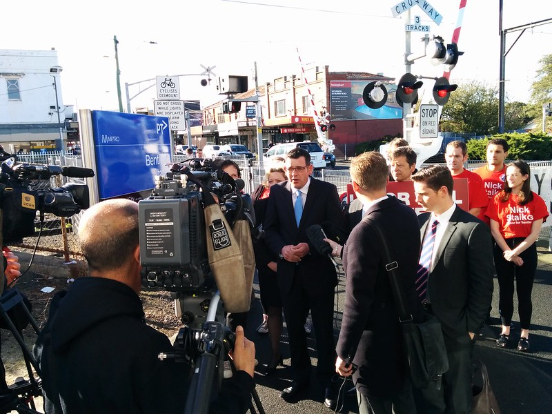 Labor pledges Bentleigh level crossing grade separation