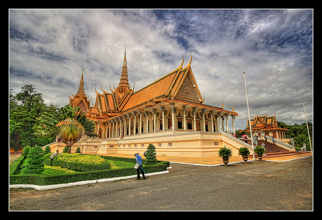 Phnom Penh K - The throne hall inside the Royal Palace complex 04