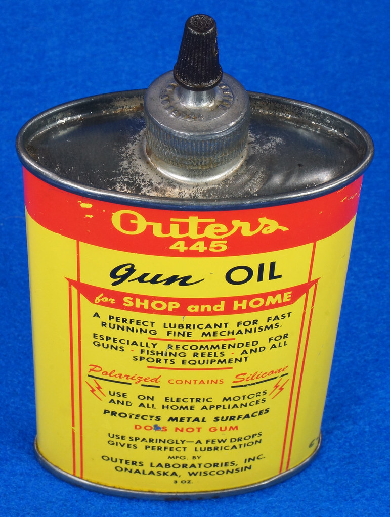 RD14571 Outers 445 Gun Oil Tin 3 oz Lead Top Yellow Oiler Collectible Vintage Oil Can DSC06862
