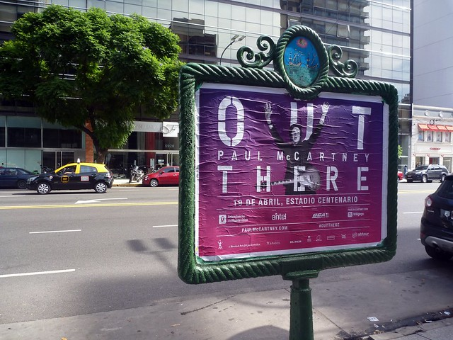 Annonce pour le concert de Montevideo, dans notre rue à Buenos Aires