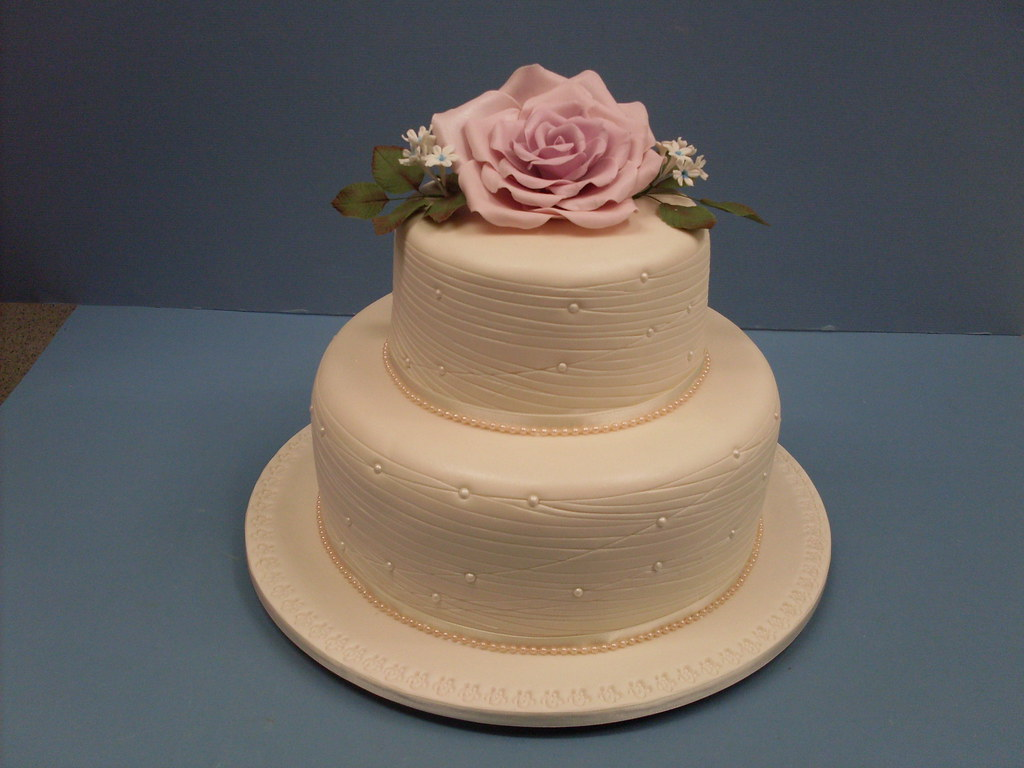 wedding cakes toowoomba elaborate one and two tier wedding cakes toowoomba 25726