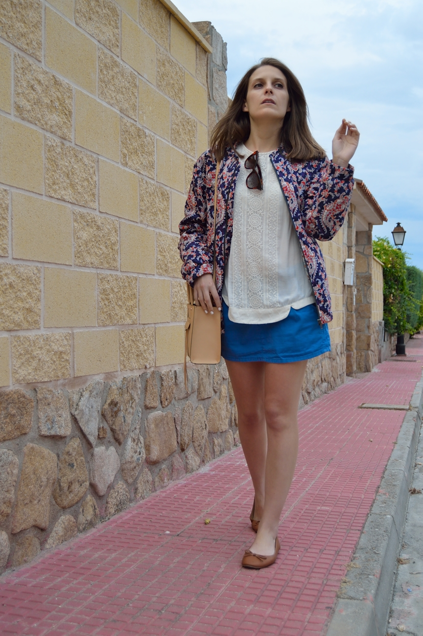lara-vazquez-madlula-blog-style-fashion-blue-skirt