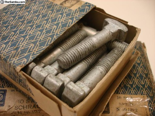 N16 137 2 T-head screw