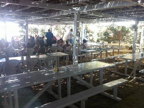 Terraza que forma el nucleo principal de mesas del restaurante