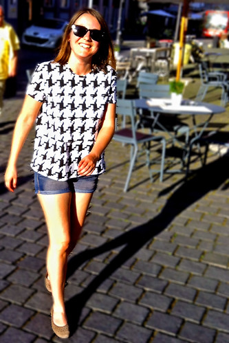 houndstooth tee