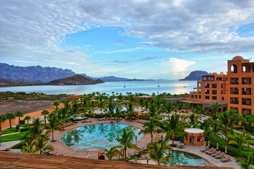 beach pool sunrise mexico nikon turtle scenic resort wife baja bajacaliforniasur spa loreto hdr bcs danzante gaylene villadelpalmar nikond7100 islandsofloreto danzantebay nikkor18400mmf3556
