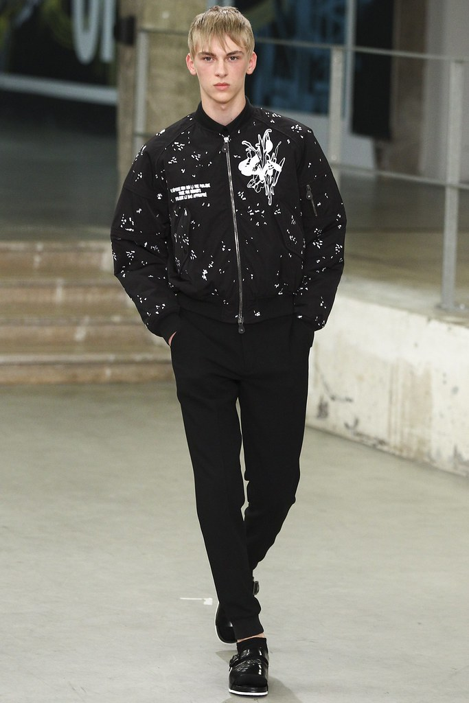 Dominik Sadoch3132_SS15 Paris Carven(VOGUE)