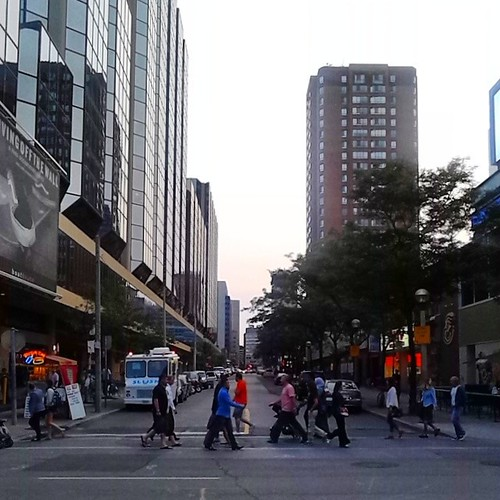 Looking west on Edward Street, evening #toronto #torontophotos #edwardstreet #yongeanddundas