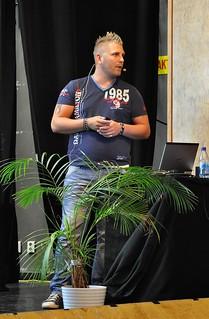 """Anders Lind föreläser på """"Hjärnan vill ha KUL!"""", 11 aug 2014 på Grand i Simrishamn"""