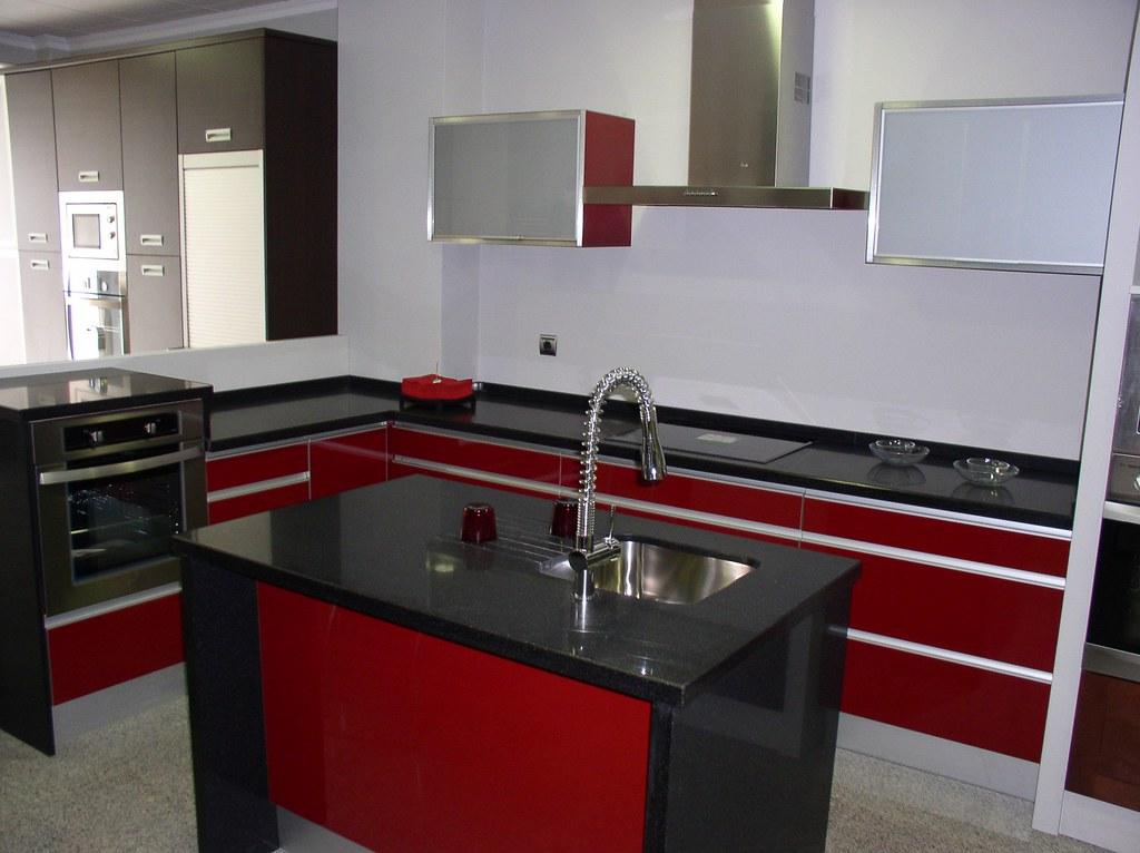 Incoeci fabricante de muebles de cocina for Muebles de oficina iman
