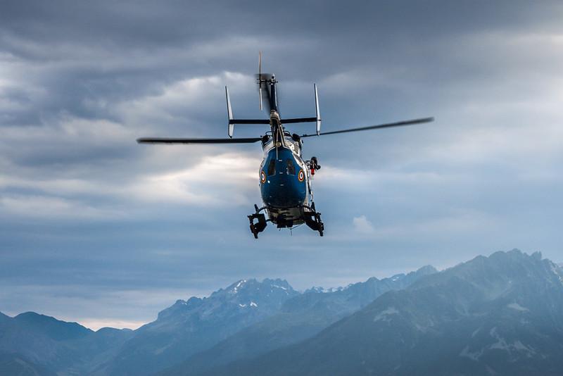 Hélicoptère secours en montagne