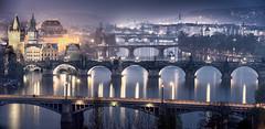 Prager Moldaubrücken bei Nacht