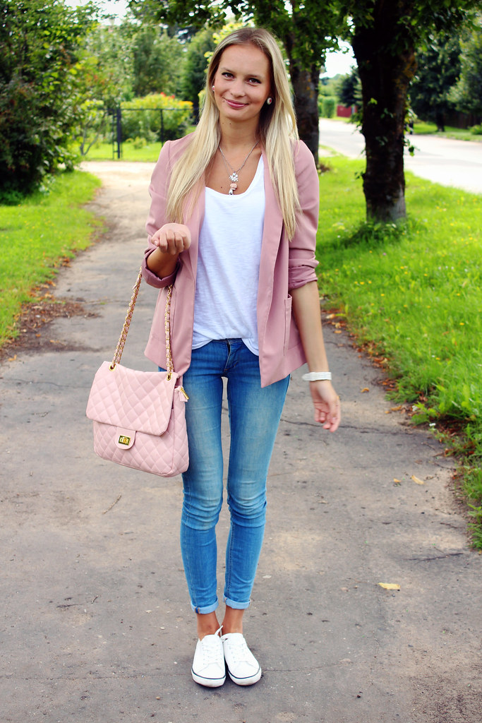 how-to-style-pink-blazer