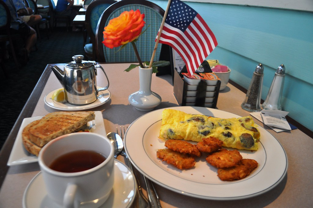Breakfast with the Best Western Plus Yacht Harbor Inn, Dunedin, Fla., Aug. 2014