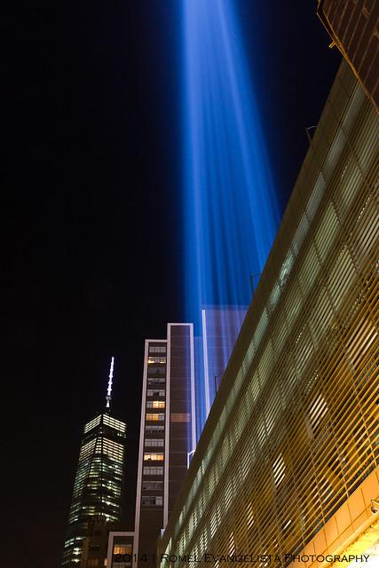 2014_Tribute_In_Light-7496