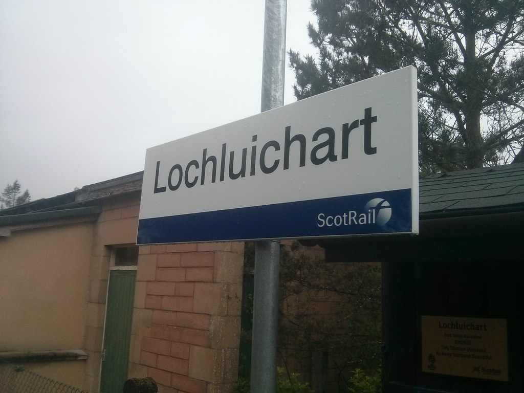 Lochluichart Station