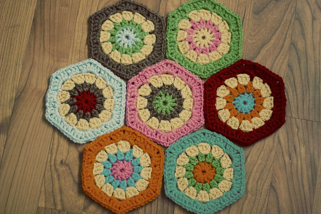 Hexagon cushion