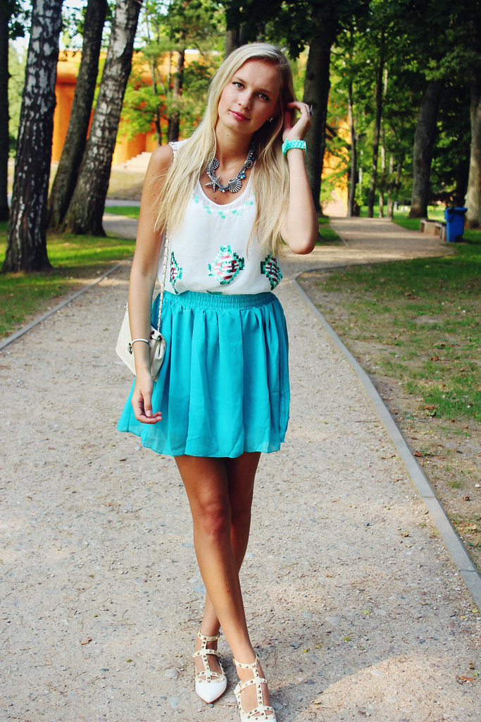 blonde-fashion-blogger-european