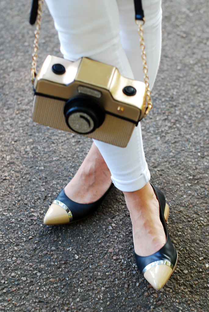 Camera bag and pointed heels