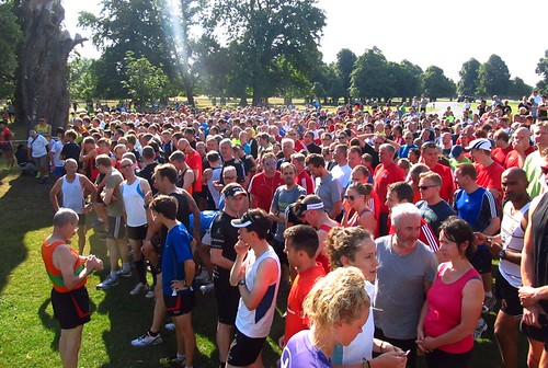 Runners getting ready for Bushy parkrun #528