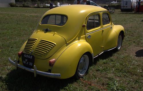 Renault - 4 CV.