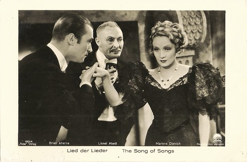 Marlene Dietrich, Brian Aherne and Lionel Atwill in The Song of Songs